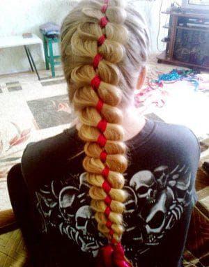 объёмная причёска пятипрядная коса на длинные волосы