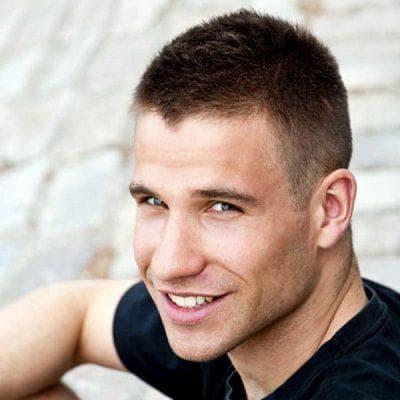 мужская причёска милитари