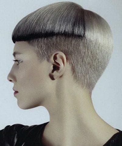 креативная женская стрижка гарсон на короткие волосы