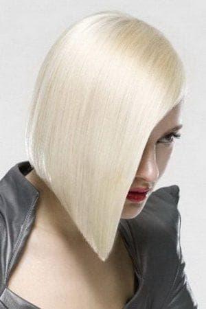креативная женская стрижка каре на средние волосы