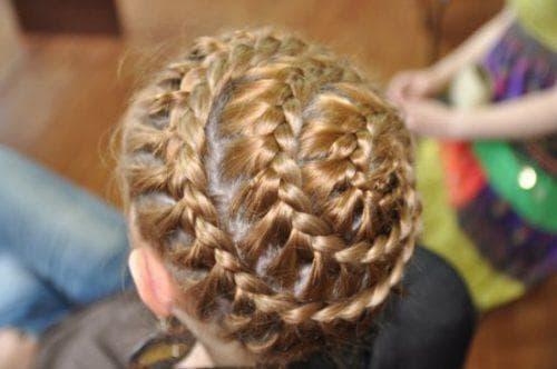 причёска корзинка на выпускной в детский сад