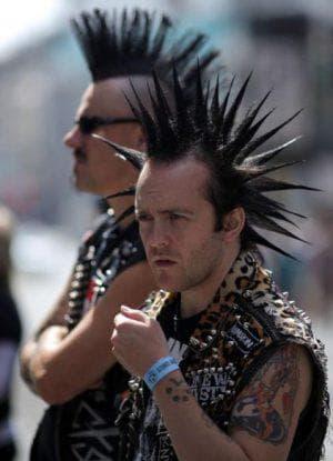 прическа панк мужчина