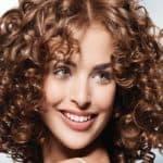 Варианты долговременной укладки на средние волосы